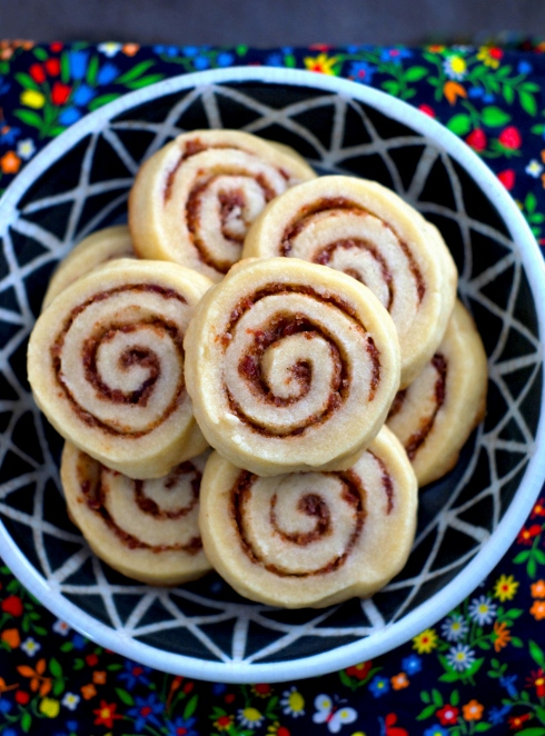 bacon cinnamon roll cookies
